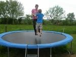 maison-des-amis-1-trampoline.jpg